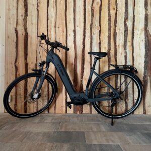 E-Bike Tiefeinstieger Cube Touring 28 Zoll Kettenschaltung