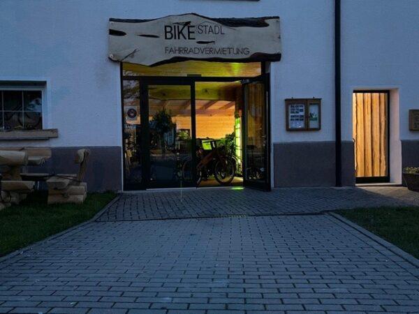 Bike Stadl Fahrradvermietung Lausitzer Seenland Senftenberger See Abends