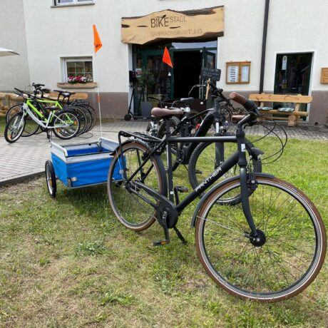 Transportanhänger im Bike Stadl